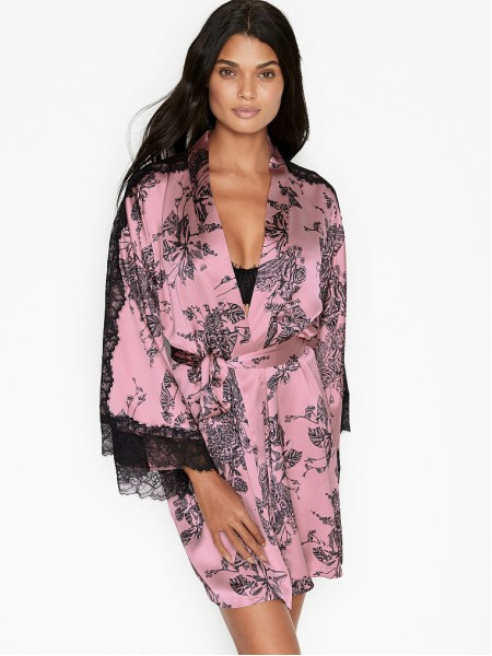 Халат Victoria's Secret Pink Lace Satin Robe Etched Roses